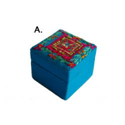Gyöngyös hímzett doboz II. (A) kék