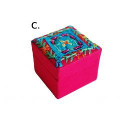 Gyöngyös hímzett doboz II. ( C) rózsaszín